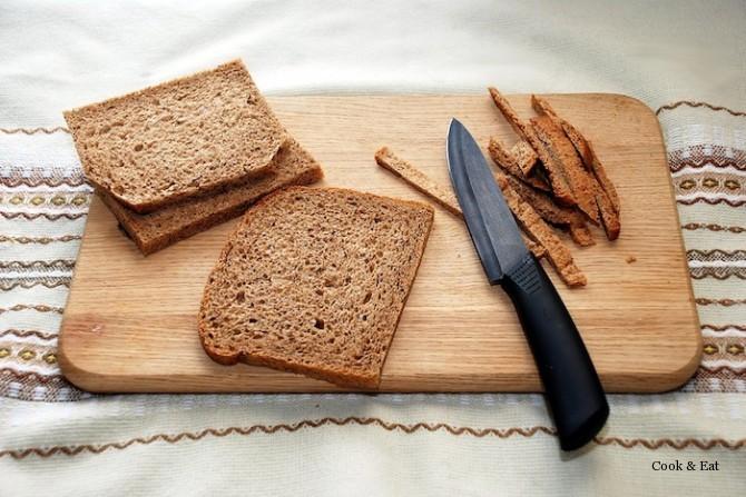 Как сделать сухарики на сковороде из хлеба